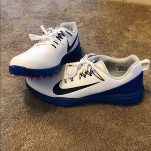 3a930a94405d6 Men Shoes Nike Amazon on Poshmark